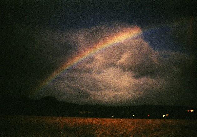 Arco-íris noturno