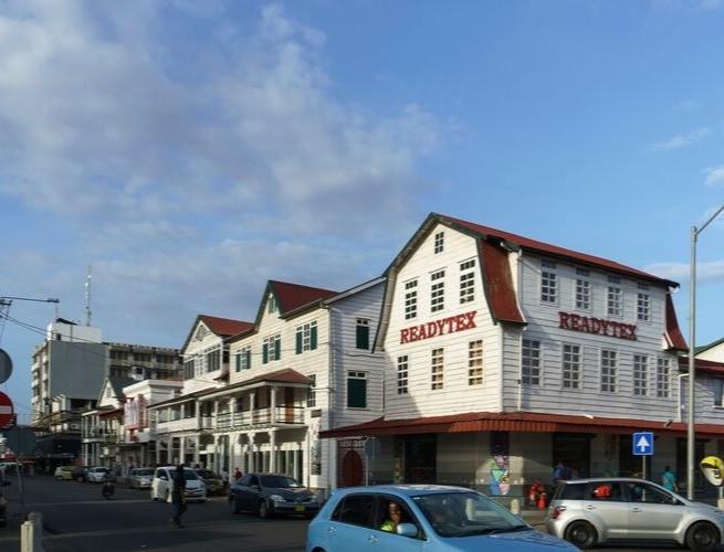 Centro histórico de Paramaribo - presença de construções com estilo holandês