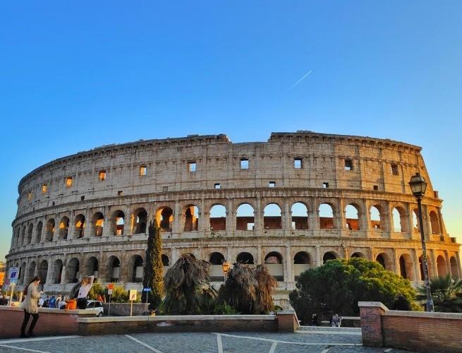 Fachada frontal do Coliseu
