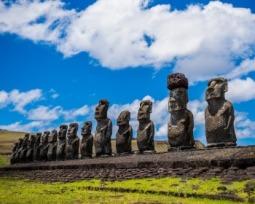 Conheça os mistérios sobre a Ilha de Páscoa e suas estátuas gigantes