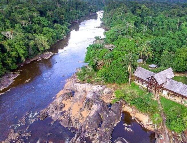País repleto de reservas florestais - @allsurinametours instagram