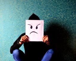 Gosta de ficar sozinho? Entenda por que você não é uma pessoa antissocial.