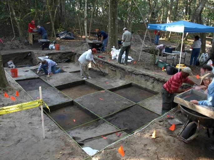 escavações arqueológicas Roanoke