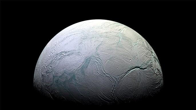 Hipercultura-Enceladus-Saturno