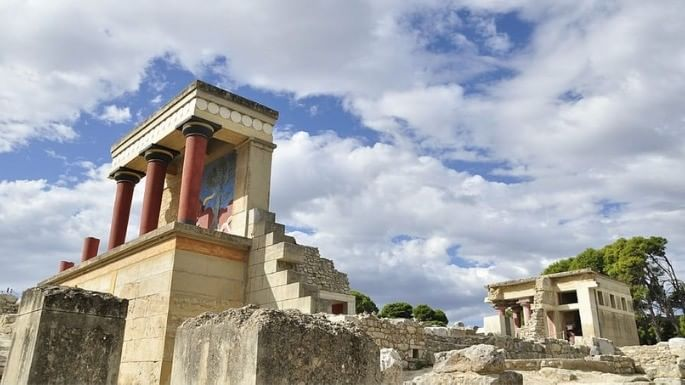 Imagem que mostra as ruínas de Creta, principal região das civilizações que formaram a Grécia Antiga.