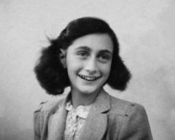 Conheça a história de Anne Frank através de passagens de seu famoso diário
