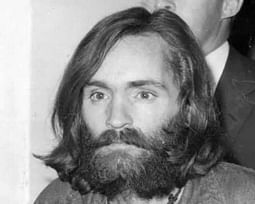 As narrativas de Charles Manson: de guru hippie a assassino em série