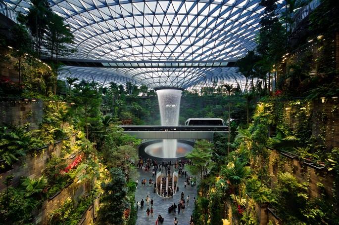 Rain Vortex_Aeroporto Singapura