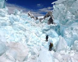 O que torna o Everest uma das montanhas mais perigosas do mundo?
