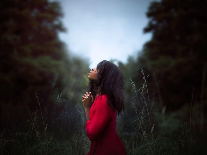 Pessoa orando