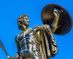 Aquiles: conheça o herói durão com calcanhar de donzela