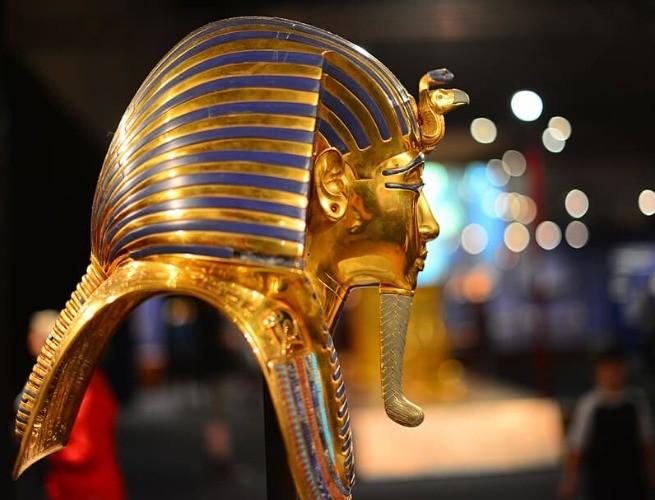 máscara mortuária de ouro