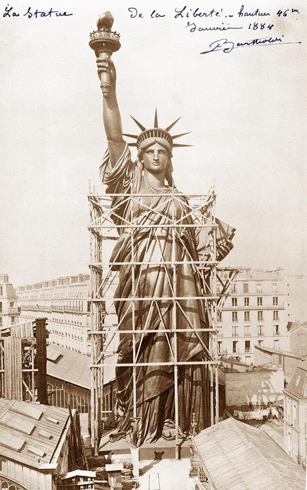 Estatua construção