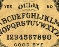 Tabuleiro Ouija: origem e explicação científica do jogo do copo