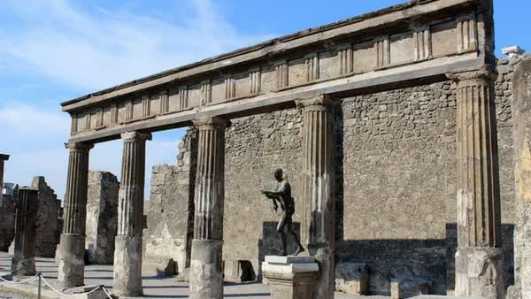 Templo_Apolo_Pompeia