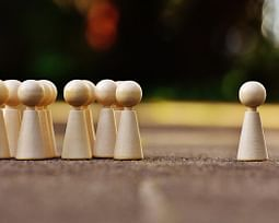 10 tipos de preconceito que o mundo precisa parar de praticar