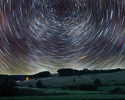 Você conhece os principais movimentos da Terra e suas características?